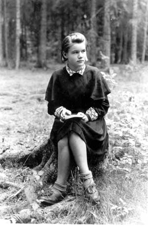 Stanislava Stroputė (Šimkienė), 1948-05-22. Stanislavos Šimkienės albumas.